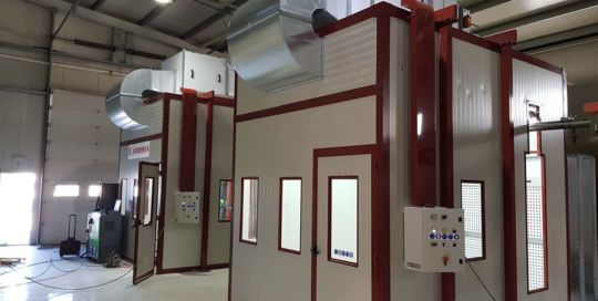 Pressurized double spray booth system S.C. High Tech Tecnosky (Romania) - Ardesia projects