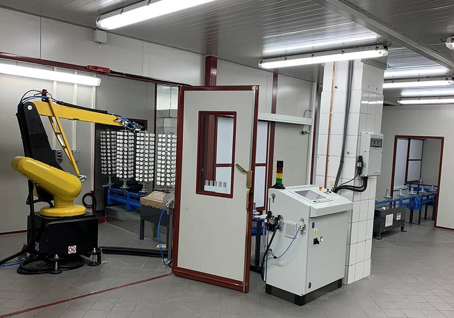 Ardesia has completed the installation of an automatic plastic cap painting line for cosmetics in Poland